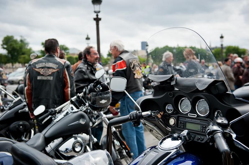 Institut National des Jeunes Aveugles - la traversée de Paris en Harley