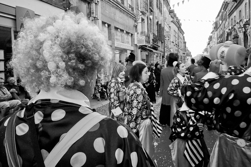 Fête de pentecote à Dole dans le Jura - Cirque et Fanfare