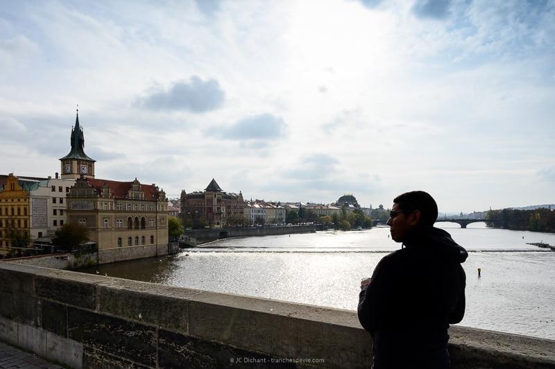 45/52 – Les gens du pont Charles - Prague