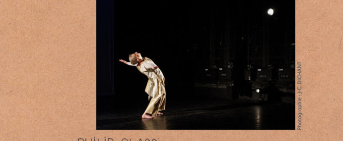 En allant de l'ouest à l'est, un solo de Susan Buige dansé par Nicole Piazzon